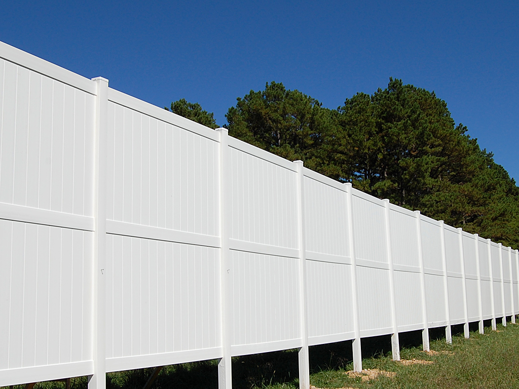 Rainier Privacy Fence Vinyl Fence Wholesaler