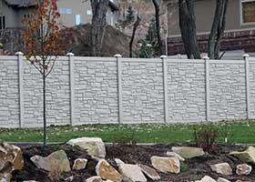 Ecostone simulated stone fence