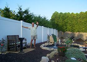 Rainier vinyl privacy fence