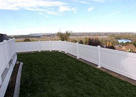 vinyl fence manufacture