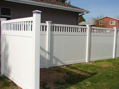 Texas Privacy Fence plus Texas Vinyl Privacy Fencing.   Factory Direct.  Fast Shipping.  www.vinylfenceanddeck.com