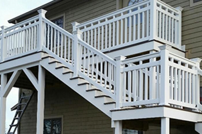Miami Vinyl Railing - Straight Railing plus Vinyl Stair Railing