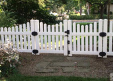 scalloped picket fence