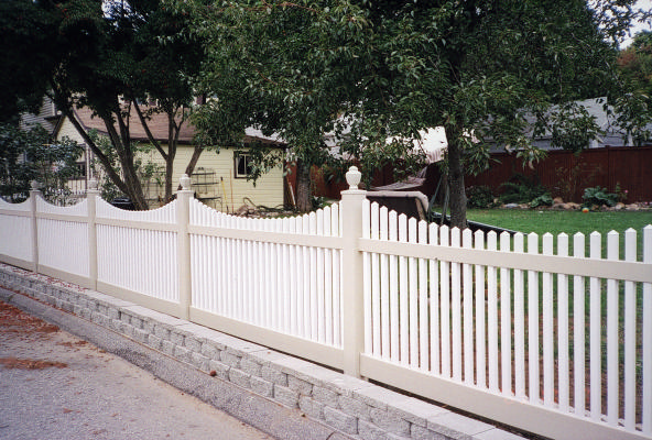Sacramento Scalloped Vinyl Picket Fence From Vinyl Fence