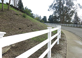 white vinyl farm fence