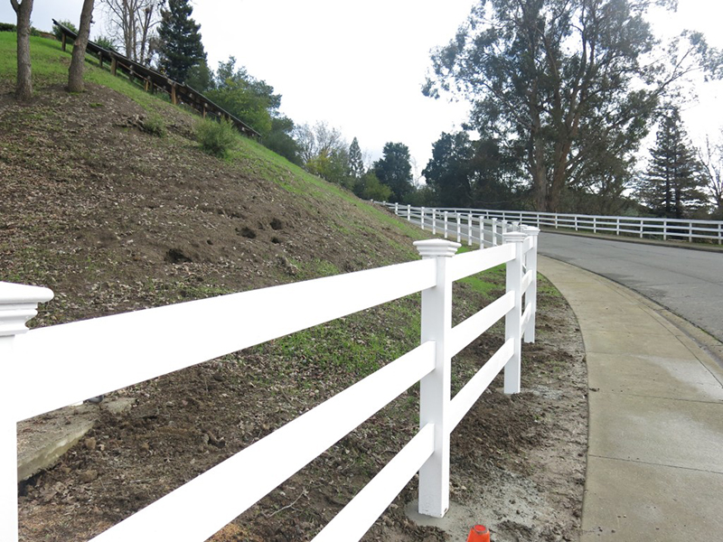 Vinyl horse fence vinyl farm fence post and rail fence fast shipping