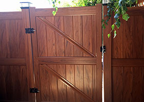 mocha walnut vinyl fence