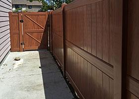 mocha walnut vinyl fencing