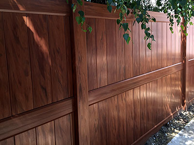 woodgrain vinyl privacy fence