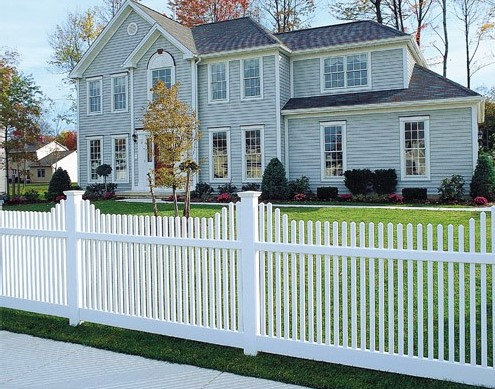 Personalize Your American Dream With These White Picket Fence Design