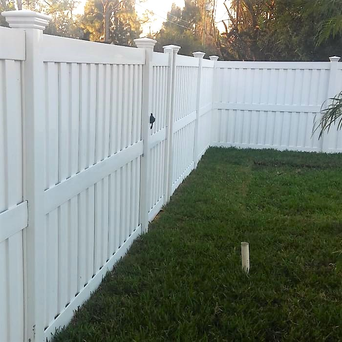 Wind Certifed 8' Tall Florida privacy fence
