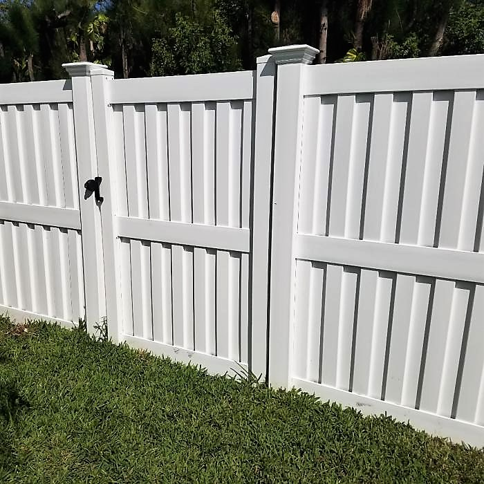 White Florida privacy fence