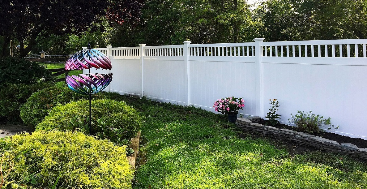 Texas Privacy Fence plus Texas Vinyl Privacy Fencing