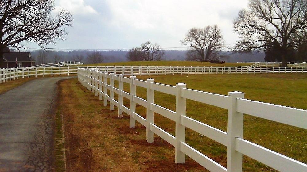 Safe Effective Fencing Options For Horses Horse Journals