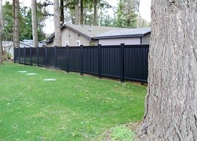 black privacy fence with lattice