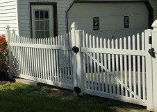 Sacramento 6' Tall tan picket fence