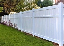6' Tall Seneca vinyl pool fence