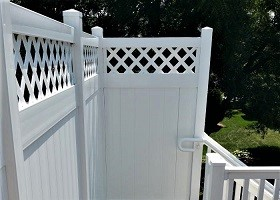 6' tall white privacy fence with lattice top